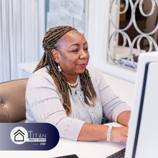 Real, one-on-one mentorship from a seasoned pro. Titan Realty is all about pushing agents to learn and grow! Head to the link in our bio to check out our brand new website!